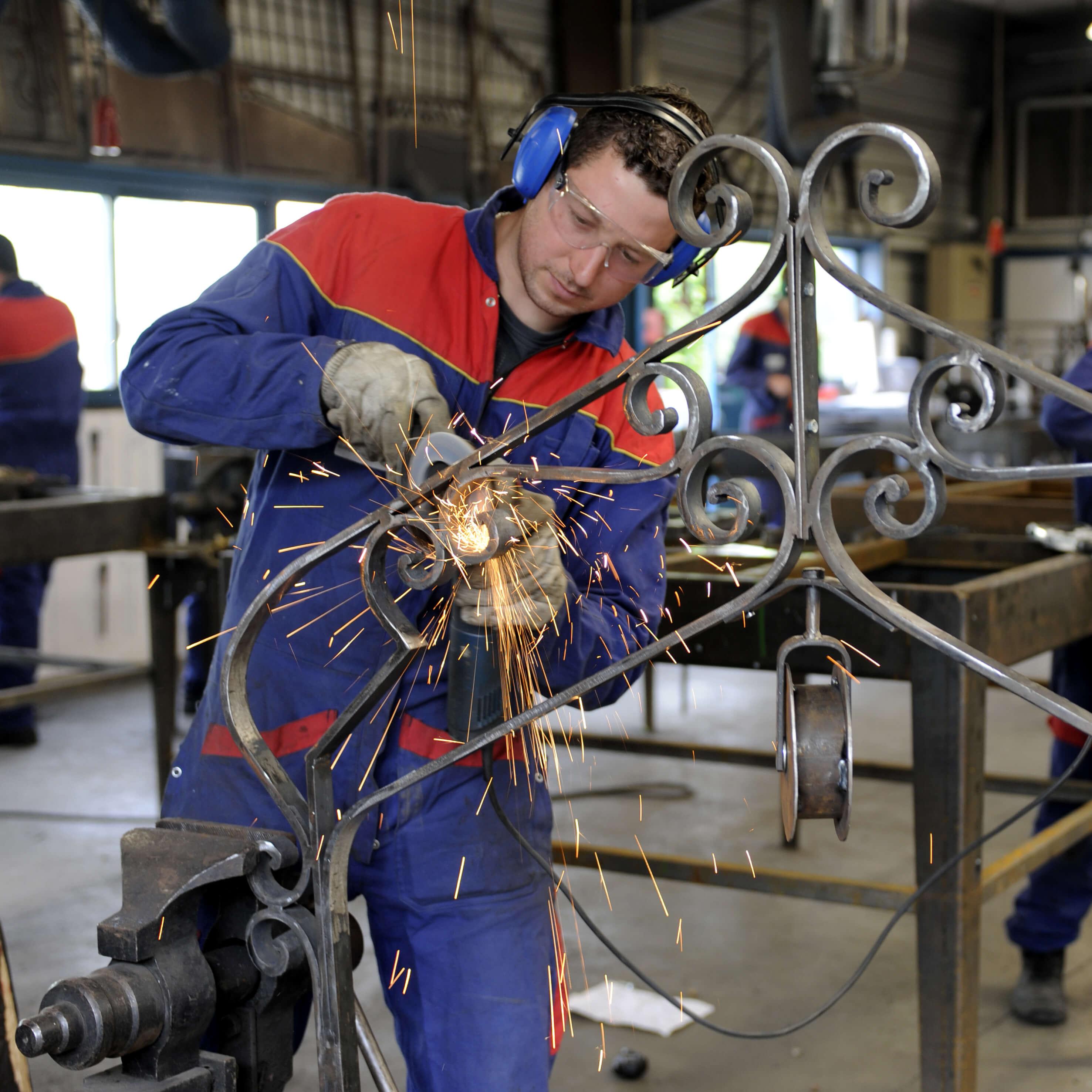 Photo fiche métier serrurier métallier