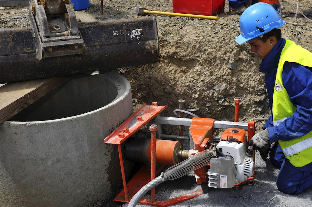 monteur réseau canalisation en exercice
