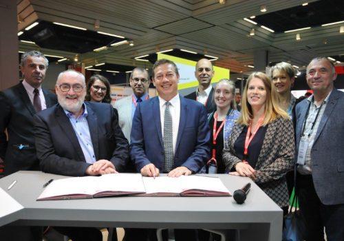 Convention nationale de partenariat entre le CCCA-BTP et l'IRIS-ST pour la prévention des risques professionnels  dans les entreprises artisanales du bâtiment et des travaux publics