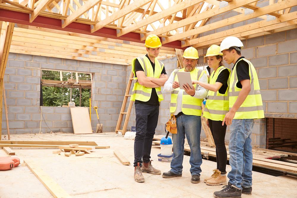 Acteurs de la construction sur un chantier